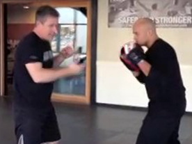Hook Punch – Comment on Foot Pivot Thumbnail
