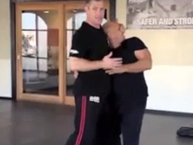 Bearhug From The Front – Arms Free – Leverage On The Neck Thumbnail