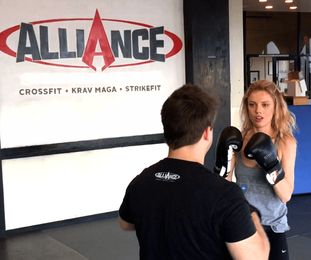 Bar Paly Trains Krav Maga